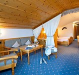 Hotel_Alpina__Juniorsuite_Kat_D_Southside.jpg
