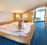 Hotel_Alpina_Juniorsuite_Kat_D_North.Side.jpg
